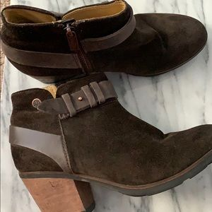 Anthropologie Bussola ankle booties